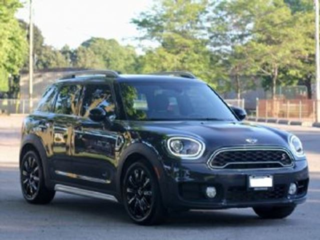 2017 MINI COOPER Countryman ALL4 S w/ESSENTIALS & LOADED PACKAGE w/WEAR CARE PROTECTION in Mississauga, Ontario