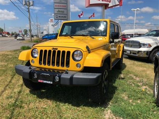 2015 JEEP WRANGLER Unlimited SAHARA 4X4   NAV HEATED SEATS UCONNECT in Cambridge, Ontario