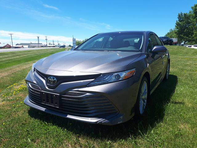 2018 TOYOTA CAMRY XLE in Lindsay, Ontario