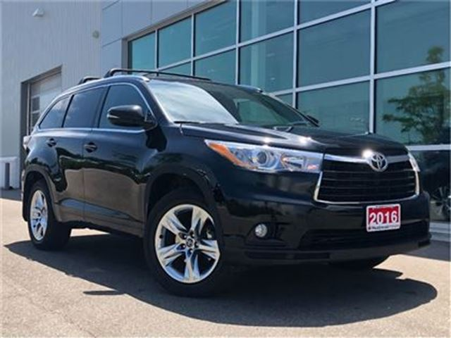 2016 TOYOTA HIGHLANDER LIMITED!! JUST TRADED !! in Mississauga, Ontario