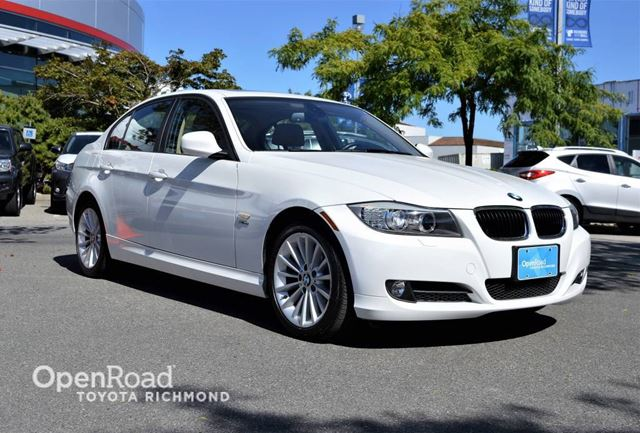 2010 BMW 3 Series 328i xDrive - Heated front seats, Power sunroof in Richmond, British Columbia