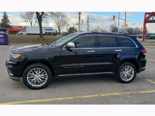 2018 JEEP Grand Cherokee Summit 4x4 in Mississauga, Ontario