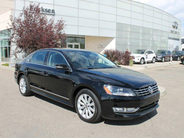 2014 VOLKSWAGEN Passat HEATED SEATS/NAVIGATION/SUNROOF/BACK UP CAMERA in Edmonton, Alberta