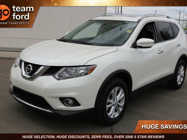 2015 NISSAN Rogue SV, 2.5L I4, Sunroof, Dual Climate Control, Clean Carproof in Edmonton, Alberta