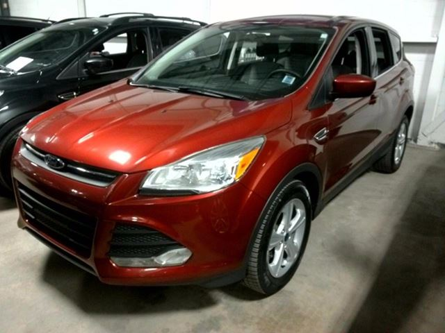 2014 Ford Escape SE - BACK UP CAM - HEATED SEATS - BLUETOOTH-ALL in Aurora, Ontario