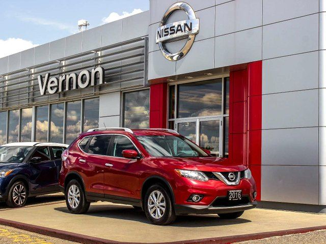 2016 NISSAN Rogue SV AWD in Vernon, British Columbia