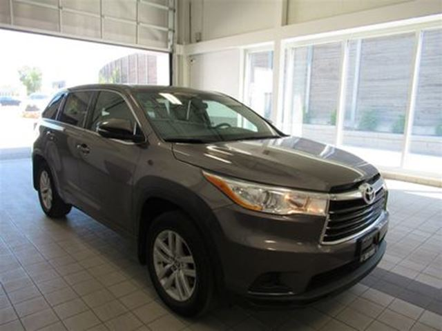 2016 TOYOTA Highlander LE NO ACCIDENTS! LEASE RETURN in Toronto, Ontario