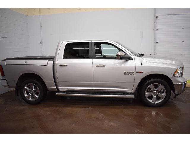 2014 Dodge RAM 1500 SLT CREW CAB 4X4-AC * TOUCH SCREEN in Kingston, Ontario