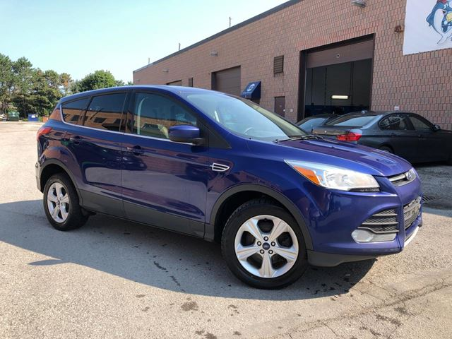 2014 FORD Escape SE - 4WD - BACK UP CAM - HEATED SEATS - ALLOYS in Aurora, Ontario