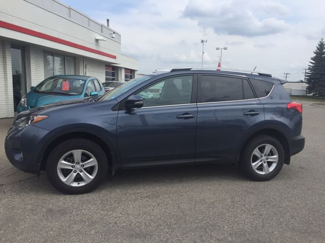 2013 Toyota RAV4 XLE Sold Pending Customer Pick Up...Bluetooth, Back Up Camera, Navigation, and More! in Waterloo, Ontario
