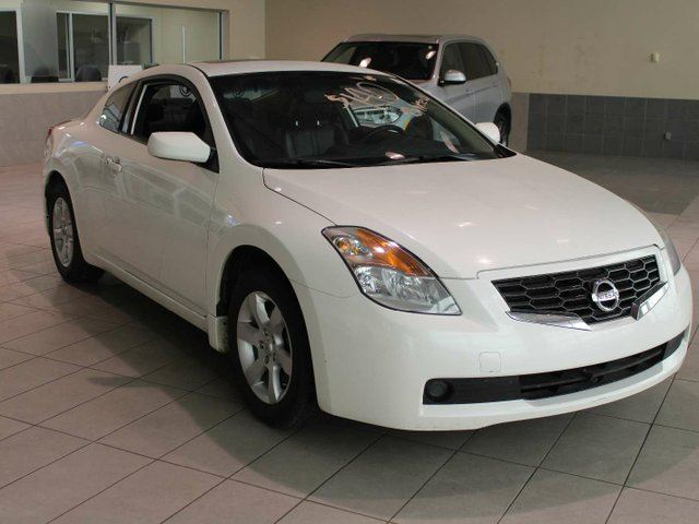 2009 NISSAN Altima 2.5 S - Heated Leather Seats, Sunroof, Bluetooth in Red Deer, Alberta