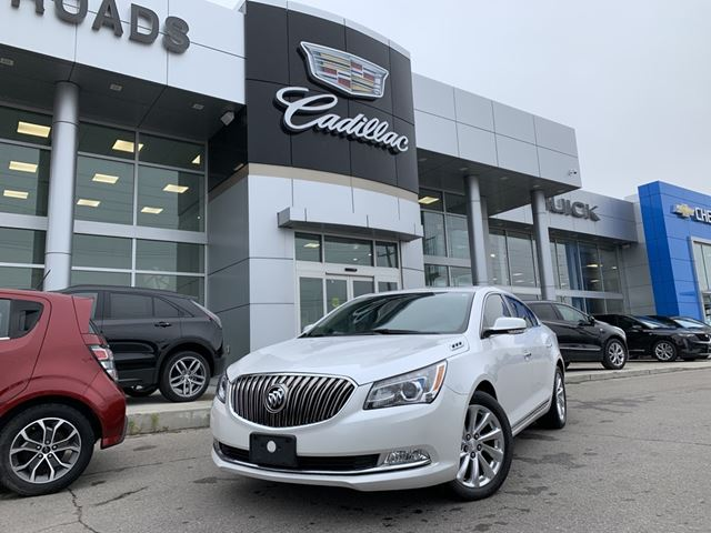 2015 Buick LaCrosse Leather LEATHER, EXP PKG, NAV, ONE OWNER, NO ACCIDENTS in Newmarket, Ontario