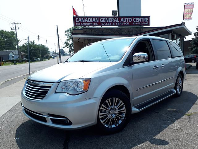 2011 Chrysler Town and Country Limited in Scarborough, Ontario