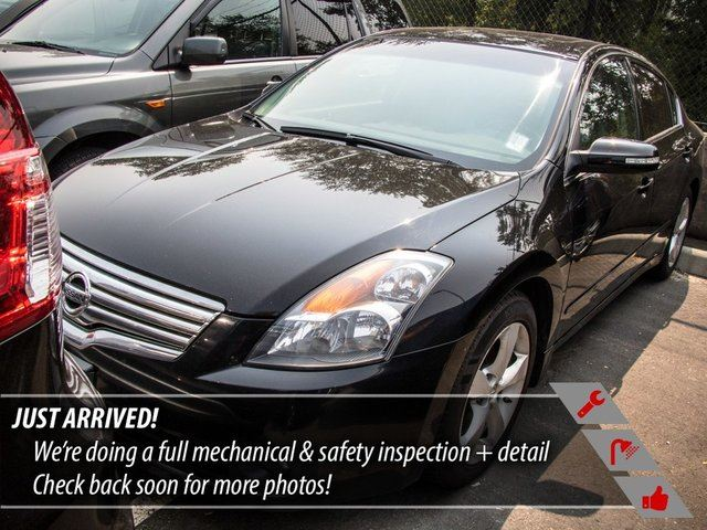 2008 NISSAN ALTIMA 3.5 SE in Port Moody, British Columbia