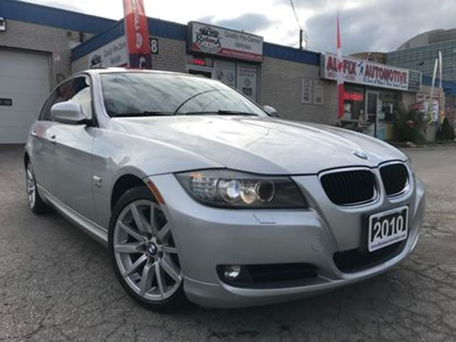 2010 BMW 3 Series 328 i i xDrive_6 Speed Manual_Sunroof_Leather in Oakville, Ontario