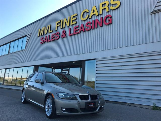 2010 BMW 3 Series 328 i xDrive Touring ACCIDENT FREE  PREMIUM PACKAGE   in Oakville, Ontario