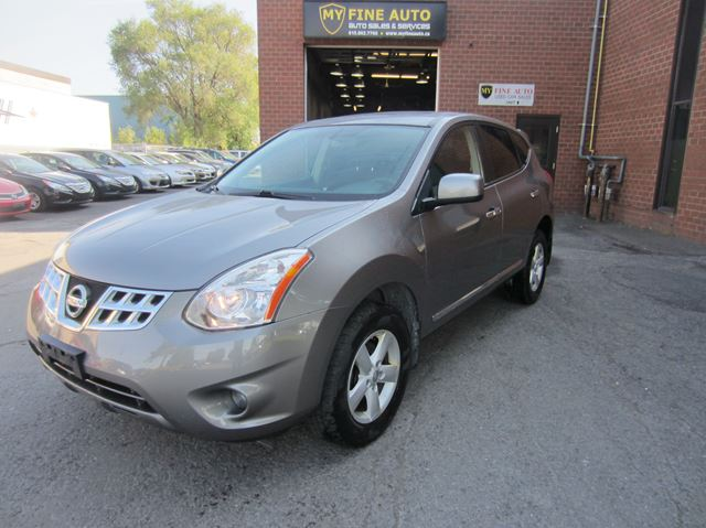 2013 Nissan Rogue SE / One owner / with Sunroof in Ottawa, Ontario