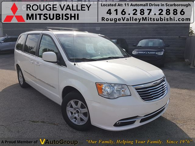 2011 CHRYSLER Town and Country Touring! POWER DOORS! NO ACCIDENTS!! LOW KM! in Scarborough, Ontario