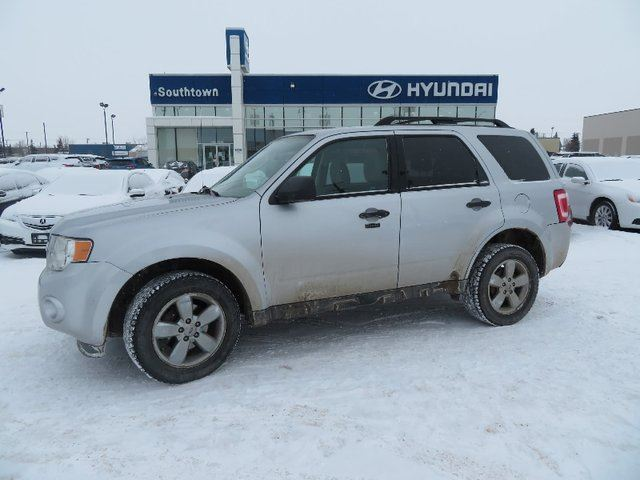 2012 FORD Escape XLT/SUNROOF/BLUETOOTH/POWER OPTIONS in Edmonton, Alberta