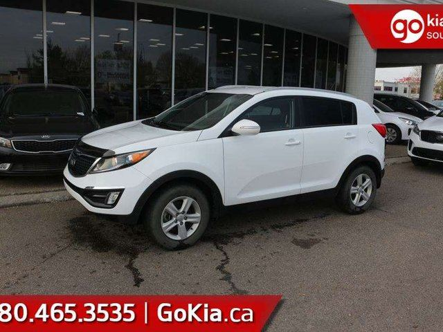 2015 KIA Sportage LX; WOW, GREAT CONDITION, GOOD ON GAS, BLUETOOTH, HEATED SEATS AND MORE in Edmonton, Alberta