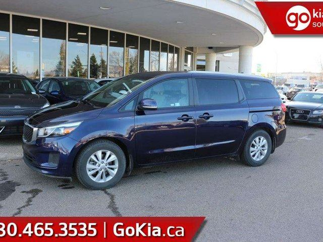 2018 KIA Sedona LX+HEATED FRONT SEATS ... BLUETOOTH ... AIR CONDITIONING!!! in Edmonton, Alberta