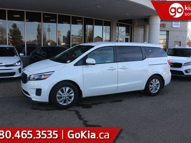 2018 KIA Sedona LX+ HEATED FRONT SEATS AND STEERING WHEEL ... POWER LIFTGATE ... PUSH-BUTTON START!!! in Edmonton, Alberta