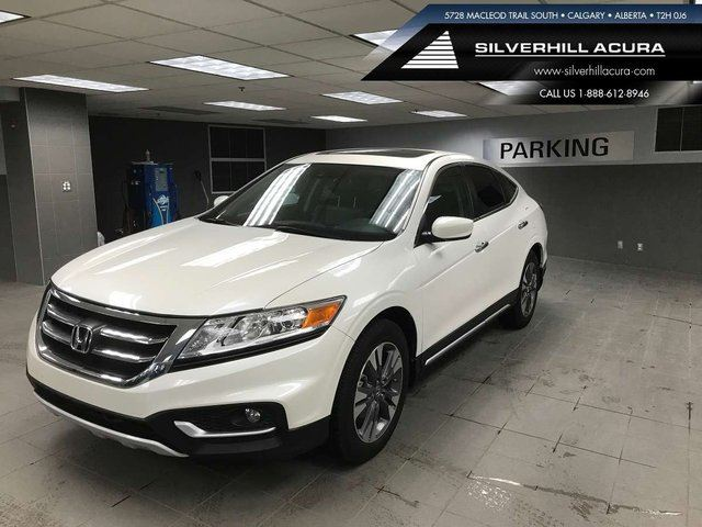 2014 HONDA Crosstour EX-L Navi 4WD *Comes with Winter Tires & Rims* in Calgary, Alberta