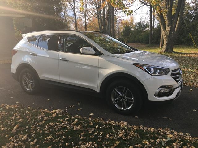 2017 Hyundai Santa Fe Sport AWD With only 35000 km in Perth, Ontario