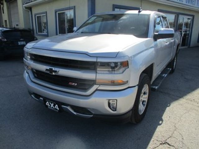 2019 Chevrolet Silverado 1500 LIKE NEW LD MODEL 6 PASSENGER 5.3L - V8.. 4X4.. in Bradford, Ontario