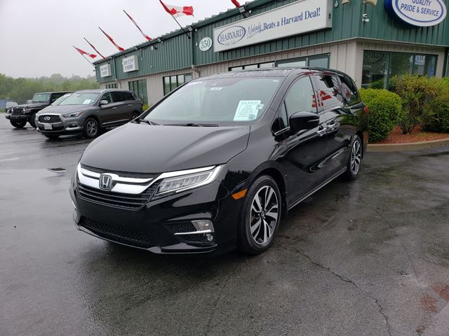 2018 Honda Odyssey Touring ALL POWER OPTIONS/BLU-RAY PLAYER/NAVIGATION/REMOTE START/HONDA VACUUM/WIRELESS CHARGER in Lower Sackville, Nova Scotia