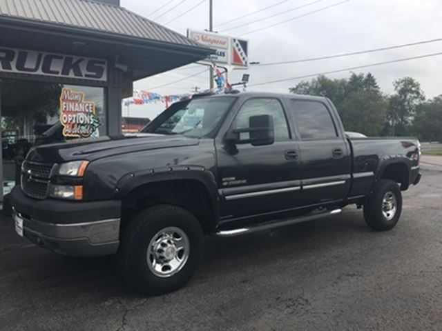 2005 Chevrolet Silverado 2500  6.6L Turbo Diesel/Crew Cab/4x4/Tow Package/LT in Welland, Ontario