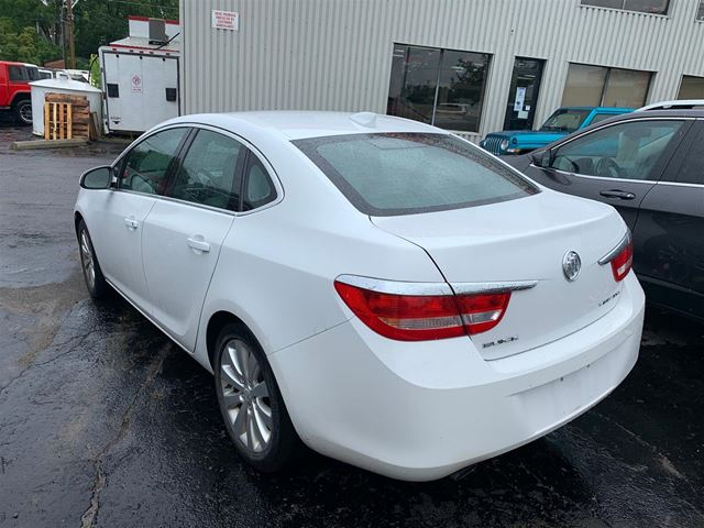 2015 BUICK Verano base WINTER TIRES/ ONE OWNER/ BLUETOOTH in Brockville, Ontario