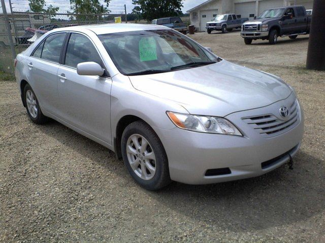 2009 toyota camry le silver for 15950 in edmonton. Black Bedroom Furniture Sets. Home Design Ideas