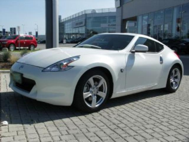 2010 nissan 370z touring white lease busters. Black Bedroom Furniture Sets. Home Design Ideas