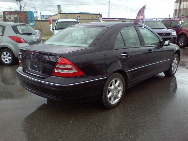 2002 mercedes benz c class c320 sedan blue gundhu auto for 2002 mercedes benz c class