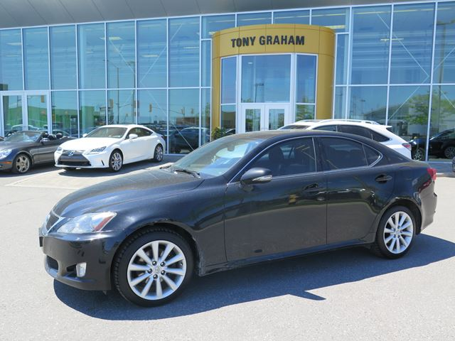 2010 Lexus IS 250 Leather, roof Pkg in Nepean, Ontario