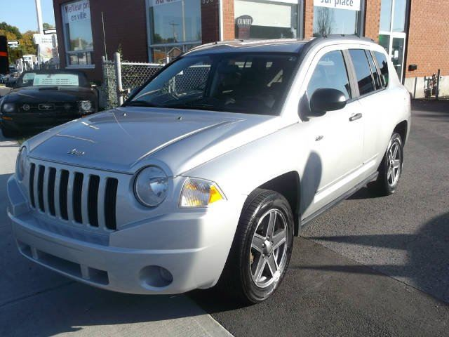 2009 JEEP Compass           in Longueuil, Quebec