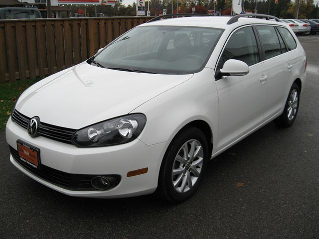 2013 VOLKSWAGEN Golf Comfortline in Alliston, Ontario