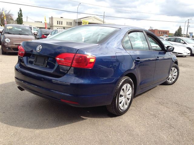 used 2013 volkswagen jetta still under factory warranty. Black Bedroom Furniture Sets. Home Design Ideas