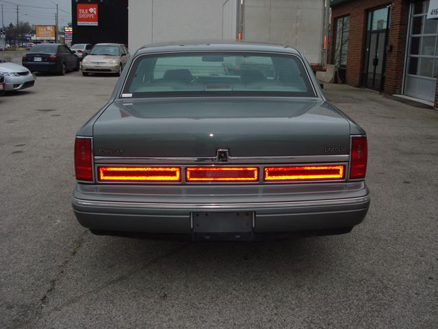 1997 Lincoln Town Car Signature Scarborough Ontario Car For Sale