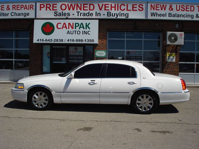 2004 Lincoln Town Car Ultimate Scarborough Ontario Car For Sale