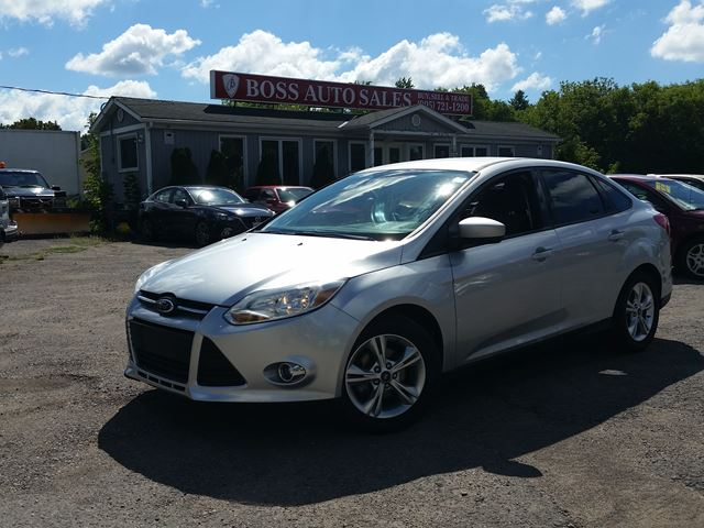 2012 FORD Focus SE in Oshawa, Ontario