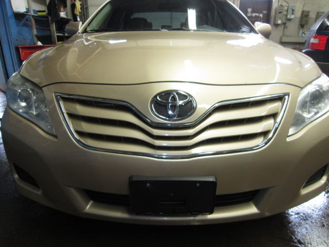 2010 TOYOTA Camry LE in Mississauga, Ontario