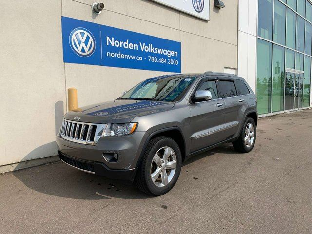 2012 JEEP Grand Cherokee OVERLAND 4WD V8 5.7L - FULLY LOADED in Edmonton, Alberta