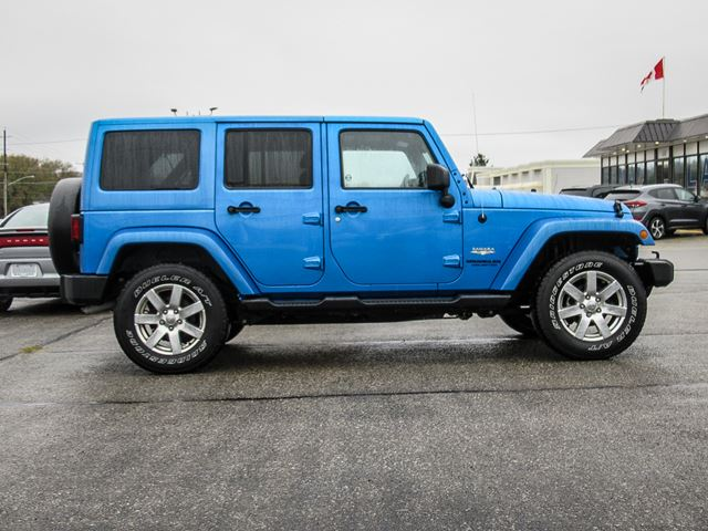 used 2015 jeep wrangler sahara unlimited orillia. Black Bedroom Furniture Sets. Home Design Ideas