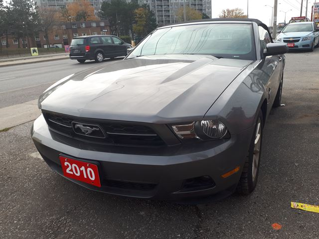 used 2010 ford mustang v6 4 0 l convertable. Black Bedroom Furniture Sets. Home Design Ideas