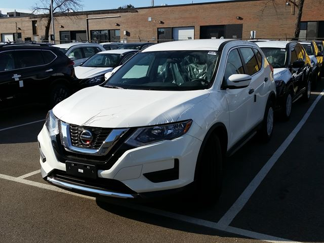2018 NISSAN Rogue SV in Mississauga, Ontario
