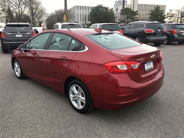 2017 Chevrolet Cruze LT in