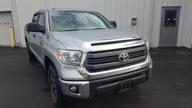 2015 TOYOTA Tundra SR5 in Carbonear, Newfoundland And Labrador