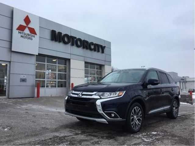 2017 MITSUBISHI Outlander DEMO SALE - SPECIAL CASH PURCHASE PRICE! in Whitby, Ontario